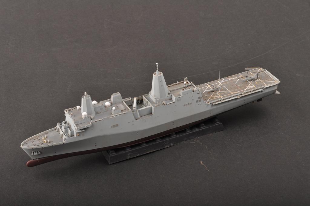 USS New York LPD-21 83415-1:700-HobbyBoss